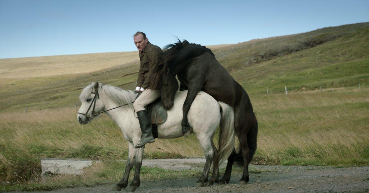 om hester og menn