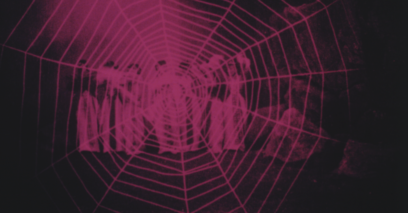 STUMFILMDAGER / CAVE OF THE SPIDER WOMEN / LIVE: REPTILE MASTER