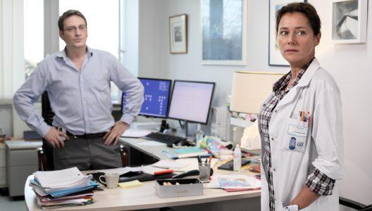 Kvinnen fra Brest - Kampen mot legemiddelindustrien